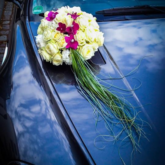 Autoschmuck weiße rosen