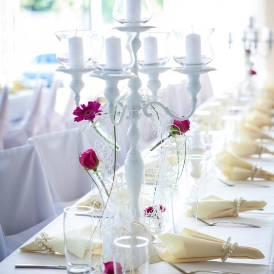 Kerzenständer in weiß