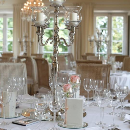 Tischdecko Kerzenständer in silber